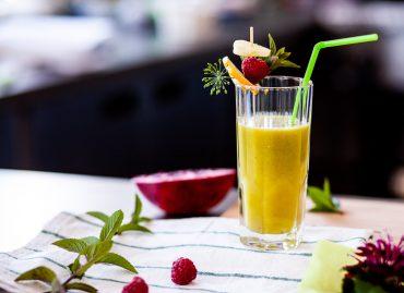 Co pić stosując catering dietetyczny?